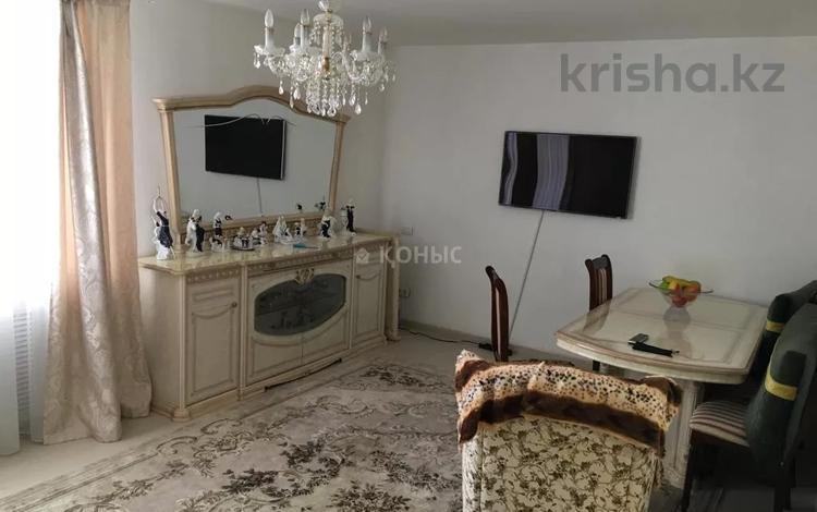 3-комнатная квартира, 80 м², 9/16 этаж, проспект Кабанбай Батыра за 31 млн 〒 в Нур-Султане (Астана), Есиль р-н