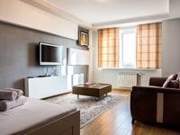 1-комнатная квартира, 50 м², 8/9 этаж посуточно, проспект Сатпаева 60 за 14 000 〒 в Атырау