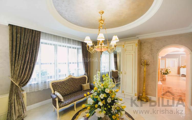 7-комнатная квартира, 500 м², 2/4 этаж, Кыз Жибек за 470 млн 〒 в Нур-Султане (Астана), Есиль р-н