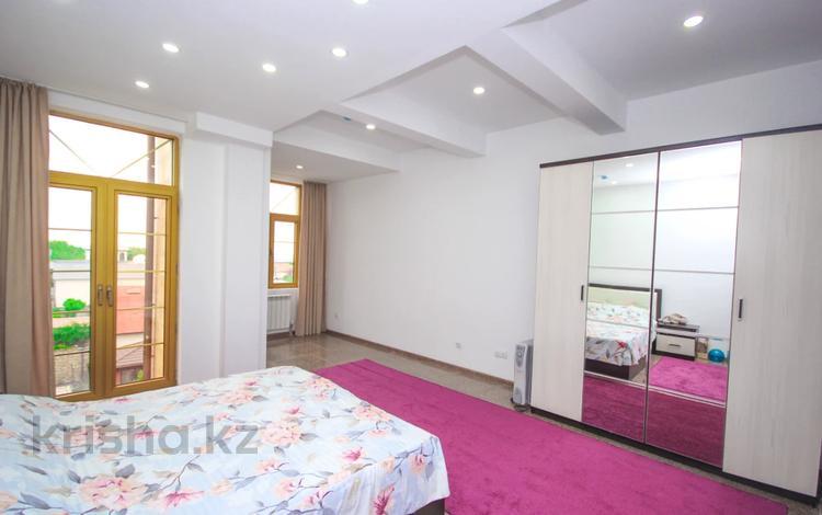 3-комнатная квартира, 150 м², 5/6 этаж, мкр Коктобе, Радлова 50 за 105 млн 〒 в Алматы, Медеуский р-н