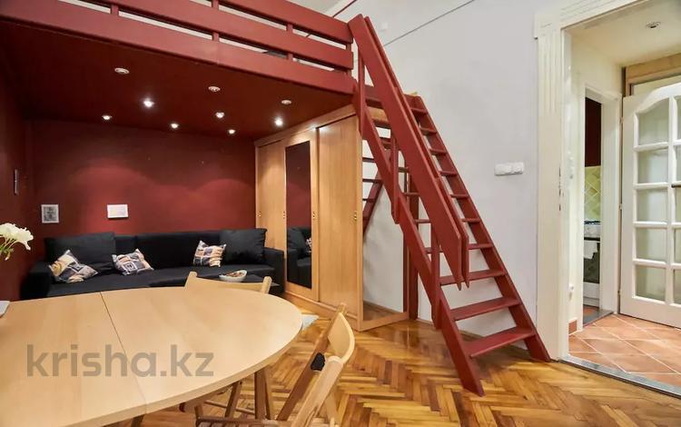 1-комнатная квартира, 33 м², 1/4 этаж, 6 район за ~ 22.1 млн 〒 в Будапеште