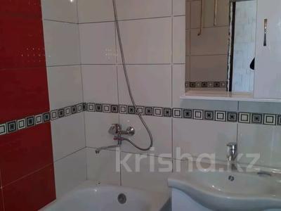 3-комнатная квартира, 74 м², 2/5 этаж, Южная 10 204 — Жамбула за 9 млн 〒 в Кокшетау — фото 2