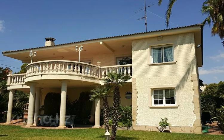 6-комнатный дом, 256 м², 10 сот., Segur de Calafell за ~ 221.5 млн 〒 в Барселоне