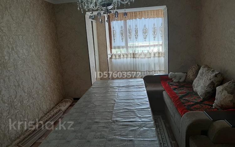 2-комнатная квартира, 60 м², 5/9 этаж помесячно, Толе би 93 за 100 000 〒 в Таразе
