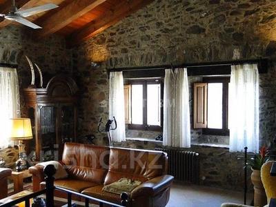8-комнатный дом, 556 м², 4800 сот., Maçanet de Cabrenys за 399 млн 〒