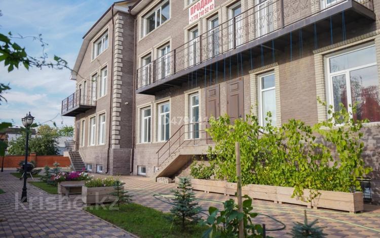 6-комнатный дом, 330 м², 14 сот., Чернышевского 38/1 за 70 млн 〒 в Павлодаре