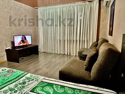1-комнатная квартира, 37 м², 10/12 этаж посуточно, Казахстан — Площадь Республики за 7 000 〒 в Усть-Каменогорске