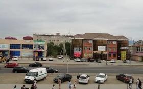 2-комнатная квартира, 56 м², 2/5 этаж помесячно, Привокзальный-5, Баймуханова 3 за 100 000 〒 в Атырау, Привокзальный-5