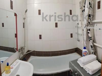 3-комнатная квартира, 64 м², 2/9 этаж посуточно, улица Мамай батыра 92 за 10 000 〒 в Семее — фото 6