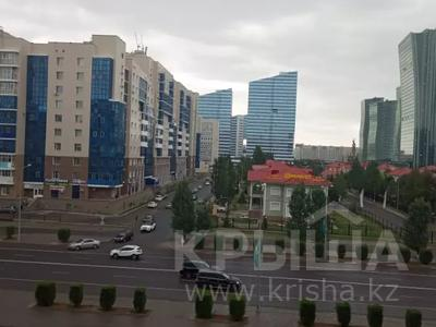 2-комнатная квартира, 54 м², 9/14 этаж помесячно, Сарайшык 5-Е — проспект Кабанбай Батыра за 130 000 〒 в Нур-Султане (Астана), Есиль р-н