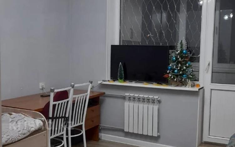 1-комнатная квартира, 38 м², 5/5 этаж, Мкр Аксай-4 за ~ 16.4 млн 〒 в Алматы