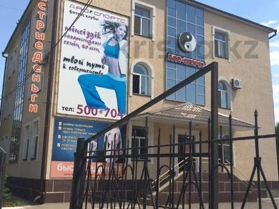 Здание, площадью 726 м², Савичева 26/3 — проспект Достык за 160 млн 〒 в Уральске