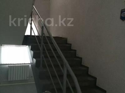 Здание, площадью 726 м², Савичева 26/3 — проспект Достык за 160 млн 〒 в Уральске — фото 7