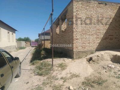 9-комнатный дом, 168 м², 8 сот., Маулена Балакаева 63 за 12 млн 〒 в Туркестане