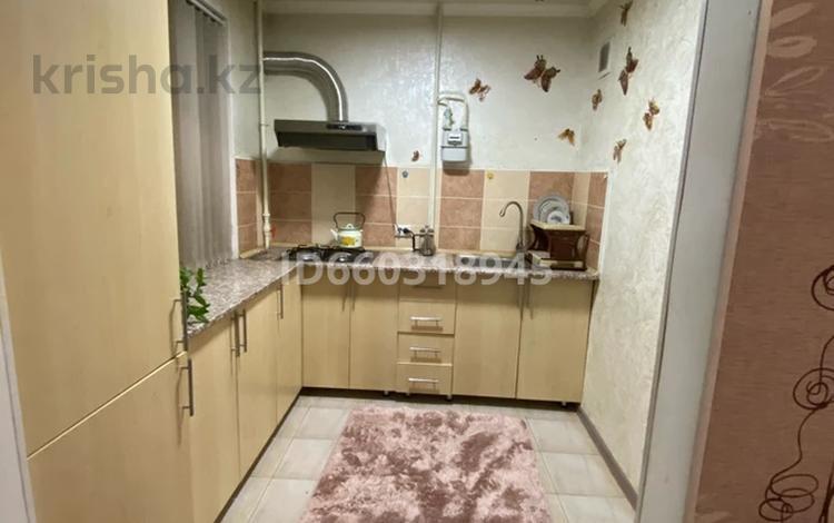 1-комнатная квартира, 30 м², 4/5 этаж посуточно, Каратау — Майлина за 6 000 〒 в Таразе