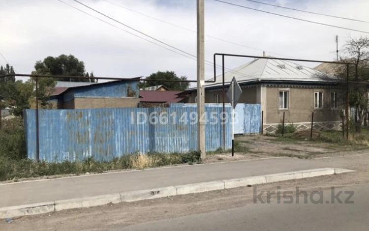 6-комнатный дом, 105 м², 8 сот., Отеген батыр 81 — Садовая за 15 млн 〒 в Узынагаш
