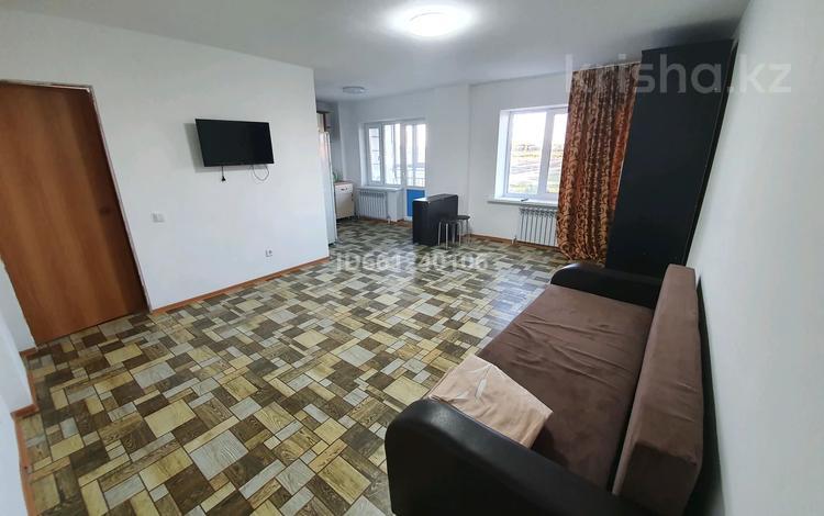 1-комнатная квартира, 30 м², 5/25 этаж посуточно, мкр Юго-Восток, Ашимова 26 за 4 000 〒 в Караганде, Казыбек би р-н