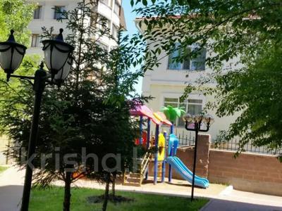 4-комнатная квартира, 200 м², 2/6 этаж помесячно, Ул.Ляйли Мажнум за 850 000 〒 в Нур-Султане (Астана), Есиль р-н — фото 5
