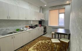 2-комнатная квартира, 60 м², 5/8 этаж помесячно, 19-й мкр 15 за 100 000 〒 в Актау, 19-й мкр