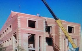 Здание, Назарбаева 120 площадью 2000 м² за 200 〒 в Усть-Каменогорске