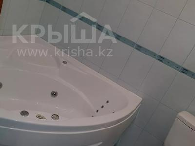 3-комнатный дом, 163 м², 1 сот., Самал-3 за 25 млн 〒 в Уральске — фото 4