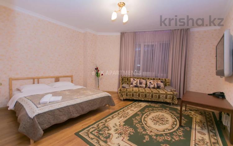 1-комнатная квартира, 42 м², 2/14 этаж посуточно, Сарайшык 5Е за 10 000 〒 в Нур-Султане (Астане), Есильский р-н