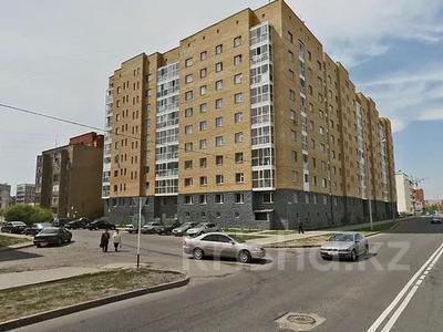 1-комнатная квартира, 45 м² помесячно, Кудайбердыулы 36 — Манаса за 80 000 〒 в Нур-Султане (Астана), Алматинский р-н