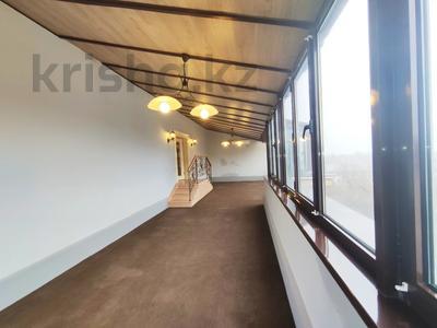 4-комнатная квартира, 242 м², 5/6 этаж, Тулебаева 114А — Богенбай Батыра за 190 млн 〒 в Алматы, Медеуский р-н