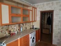 2-комнатная квартира, 60 м², 3/10 этаж помесячно, Шайкенова 11 за 110 000 〒 в Актобе, мкр 11