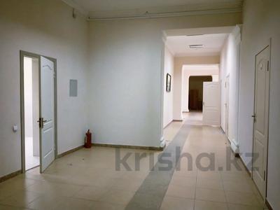 Здание, площадью 940 м², Жалантоса Бахадура 1 за 180 млн 〒 в  — фото 5
