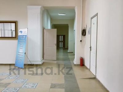Здание, площадью 940 м², Жалантоса Бахадура 1 за 180 млн 〒 в  — фото 8