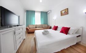 1-комнатная квартира, 42 м², 9/9 этаж по часам, Абая 130 за 2 500 〒 в Алматы