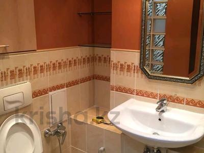 2-комнатная квартира, 77 м², 12 этаж помесячно, Кабанбай батыра 87 за 360 000 〒 в Алматы, Медеуский р-н — фото 5
