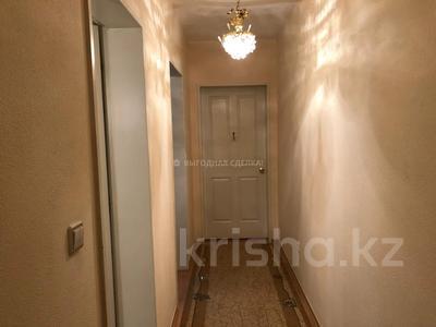 3-комнатная квартира, 90 м², 7 этаж помесячно, Мкр «Самал» 5 за 170 000 〒 в Нур-Султане (Астана), Сарыарка р-н — фото 9
