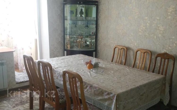 2-комнатная квартира, 52 м², 12/12 этаж, мкр Аксай-1А, Бауыржана Момышулы — Толе Би за 18 млн 〒 в Алматы, Ауэзовский р-н