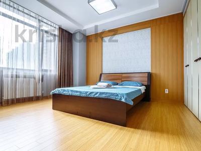 2-комнатная квартира, 80 м², 9/25 этаж посуточно, Кошкарбаева 2 — Байтурсынова за 15 000 〒 в Нур-Султане (Астана), Есиль р-н — фото 2