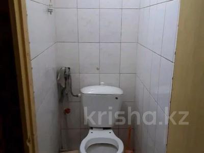 4-комнатная квартира, 78 м², 2/5 этаж, 6 микрорайон 29 за 12 млн 〒 в Таразе — фото 5
