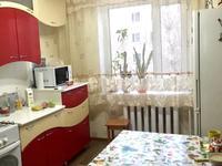 4-комнатная квартира, 90 м², 4/10 этаж, 1 микрорайон 20 за 18 млн 〒 в Семее