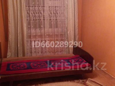 2-комнатная квартира, 67 м², 4/5 этаж помесячно, 18 мкр 26 за 85 000 〒 в Шымкенте
