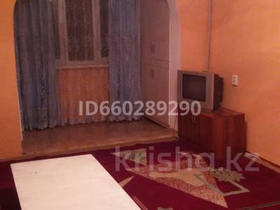 2-комнатная квартира, 67 м², 4/5 этаж помесячно, 18 мкр 26 за 85 000 〒 в Шымкенте — фото 3