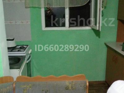 2-комнатная квартира, 67 м², 4/5 этаж помесячно, 18 мкр 26 за 85 000 〒 в Шымкенте — фото 8