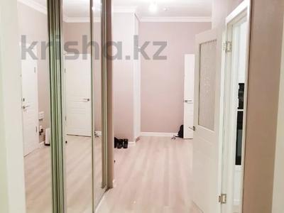 2-комнатная квартира, 70 м², 4 этаж помесячно, Бараева 13 за 120 000 〒 в Нур-Султане (Астана), р-н Байконур — фото 7