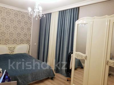 2-комнатная квартира, 70 м², 4 этаж помесячно, Бараева 13 за 120 000 〒 в Нур-Султане (Астана), р-н Байконур — фото 6