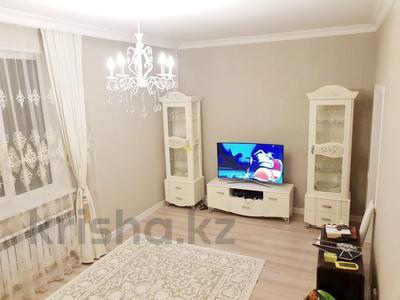 2-комнатная квартира, 70 м², 4 этаж помесячно, Бараева 13 за 120 000 〒 в Нур-Султане (Астана), р-н Байконур — фото 2