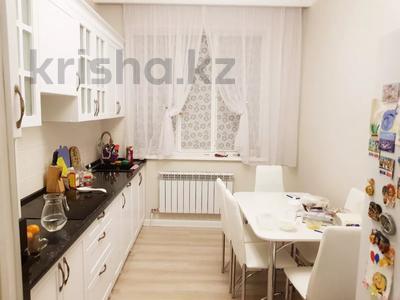 2-комнатная квартира, 70 м², 4 этаж помесячно, Бараева 13 за 120 000 〒 в Нур-Султане (Астана), р-н Байконур — фото 5