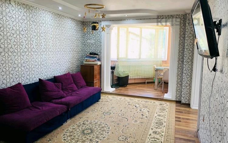 3-комнатная квартира, 65 м², 4/4 этаж, проспект Республики за 18.5 млн 〒 в Шымкенте, Аль-Фарабийский р-н