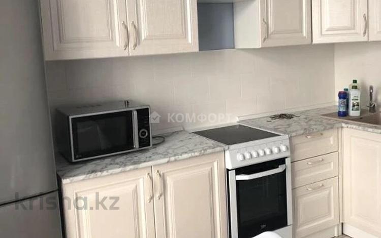 1-комнатная квартира, 40 м², 10/22 этаж помесячно, Мангилик Ел 54 за 100 000 〒 в Нур-Султане (Астана), Есиль р-н