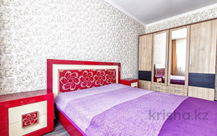 1-комнатная квартира, 50 м² по часам, Сарайшык 7/3 за 2 000 〒 в Нур-Султане (Астане)