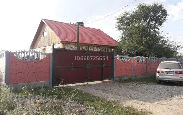 5-комнатный дом, 110 м², 10 сот., Мелиораторов 3/3 за 16 млн 〒 в Усть-Каменогорске