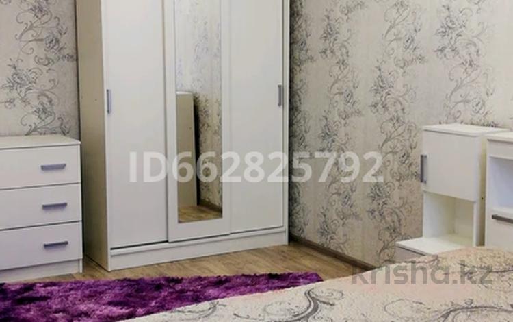 1-комнатная квартира, 32 м², 1/5 этаж посуточно, улица Хамида Чурина 164 за 8 000 〒 в Уральске